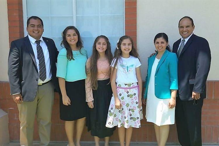 Familia Petlacalco Cancun lds tours